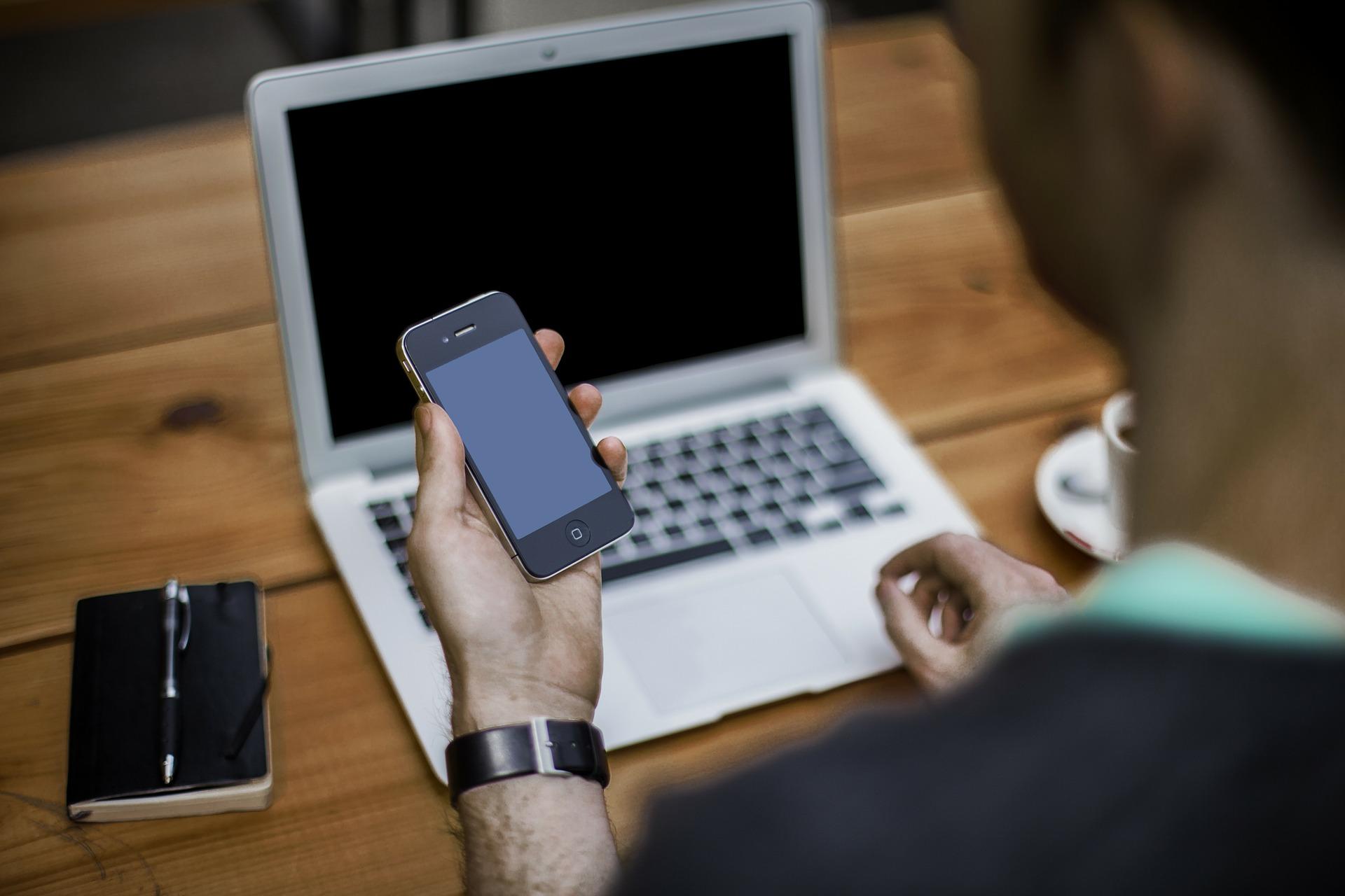 法人携帯のメリット 電話帳・請求・明細・携帯契約の一括管理